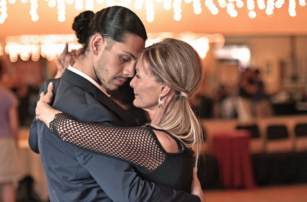Hoe Maak je Verbinding met je Partner op de Dansvloer?